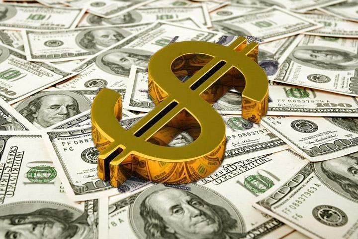 انخفاض عالمي ومحلي للذهب بسبب ارتفاع مؤشر الدولار الأمريكي
