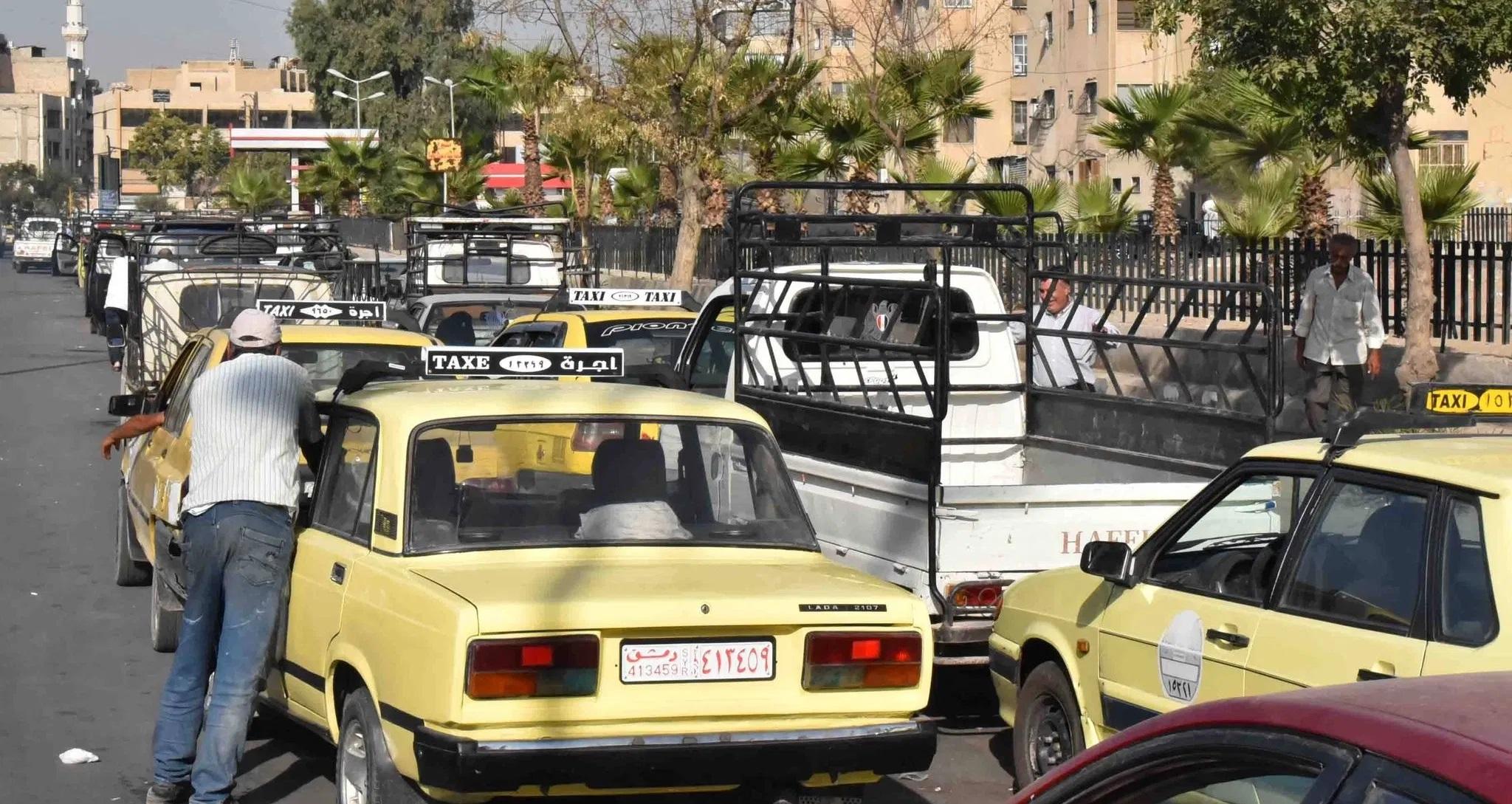 الحكومة السورية تبرر أزمة المحروقات بإغلاق قناة السويس والسوريون يعلقون على الخبر