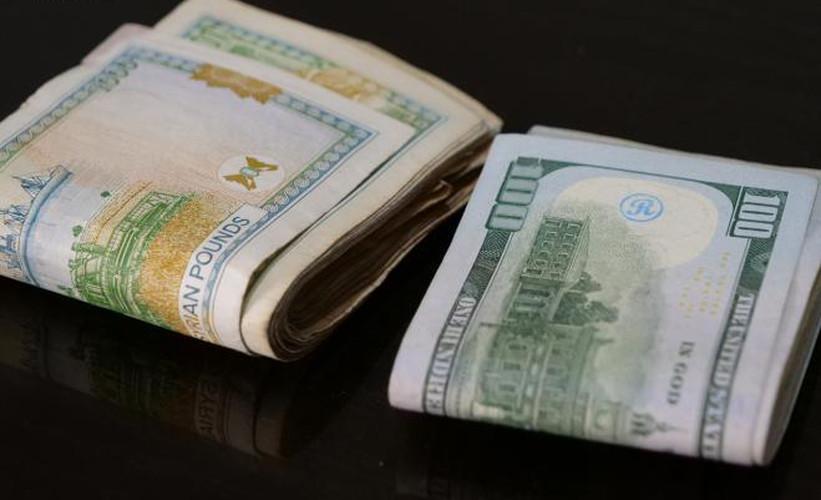 كيف يتأثر الاقتصاد السوري بقرار تسليم الحوالات الخارجية بالدولار؟