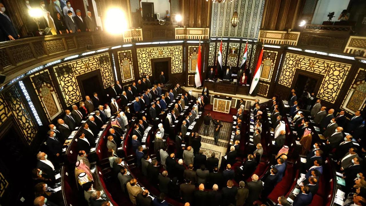 الحكومة السورية تناقش مع مجلس الشعب استيراد السيارات الكهربائية