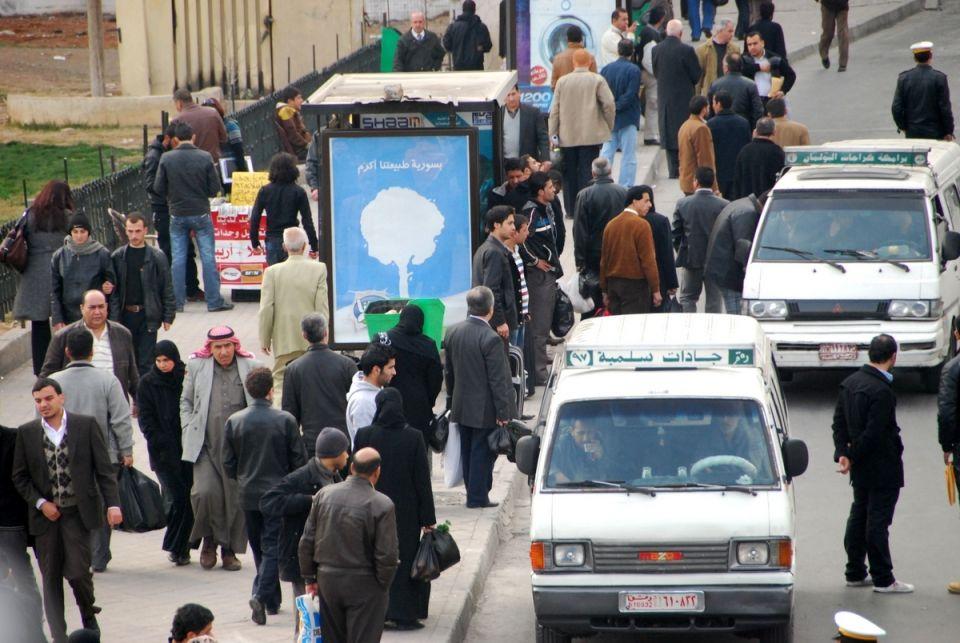 40% من سرافيس دمشق خارج العمل وأصحاب السرافيس يبيعون مخصصاتهم