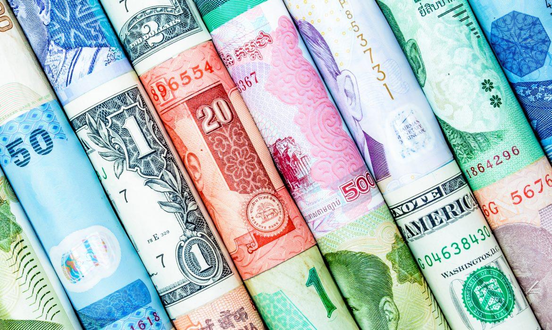 أسعار صرف العملات في سوريا بالسوق السوداء عند إغلاق يوم الأحد 22 آب 2021