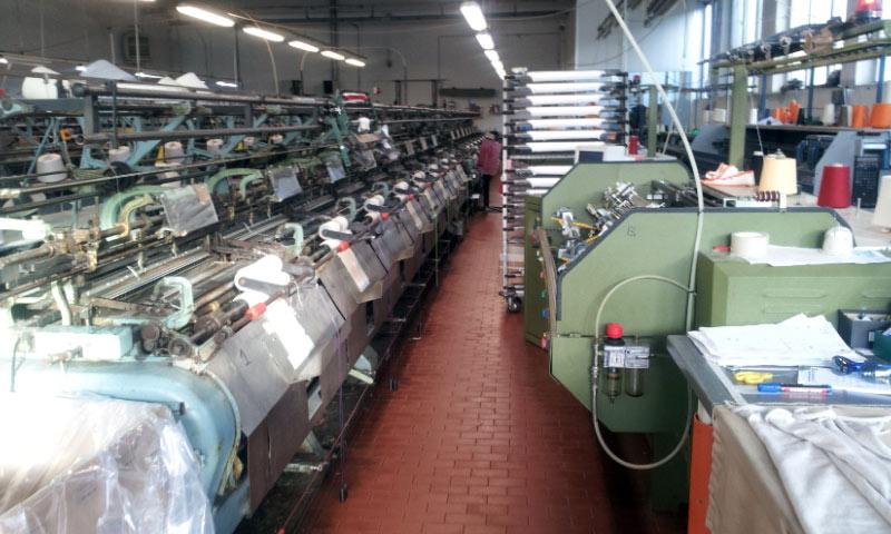 أزمة الكهرباء تدمر صناعة الألبسة في سوريا