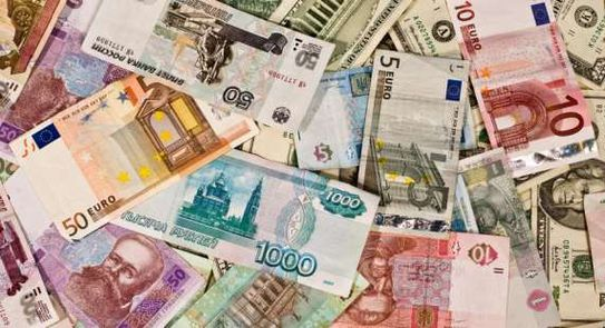 أسعار صرف العملات في سوريا بالسوق السوداء عند إغلاق يوم السبت 4 أيلول 2021
